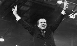 ways tv has influenced presidential elections howstuffworks richard nixon gives the v for victory sign after receiving the presidential nomination at