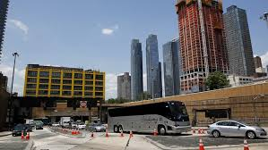 2 buses collide in nyc lincoln tunnel