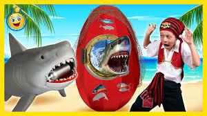GIANT SHARK EGG SURPRISE OPENING w Shark Toys Sharky vs Pirate.
