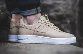 recently offered in triple white black and navy colorways the nike air force 1 ultraforce low is rendered in a stylish colorway of linen for its latest