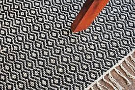 hand woven flatweave 4 x 6 black white diamond pattern area rug