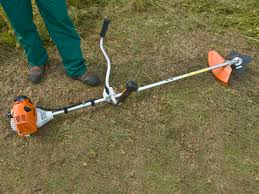 stihl weedeater fs 90. step 1 of 14: laying the brushcutter on groundlay down in a stihl weedeater fs 90