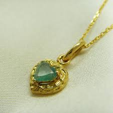 vintage 18k yellow gold natural emerald necklace