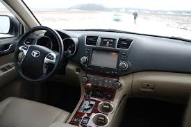Automotive Trends » Video Review: 2012 Toyota Highlander Limited