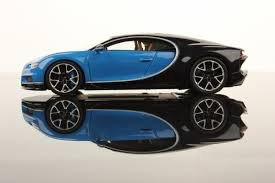 Same model design with two colors, black and blue Bugatti Chiron 1 43 Looksmart Models