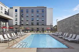 hampton inn long beach airport long beach pool