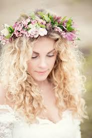 Bruidskapsel Met Krullen Theperfectweddingnl