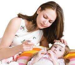 Chế độ dinh dưỡng cho trẻ bị sốt và các vấn đề liên quan