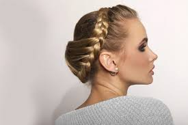3 Zapletené účesy Pro Kratší Vlasy Návod Jak Je Zvládnout Pro