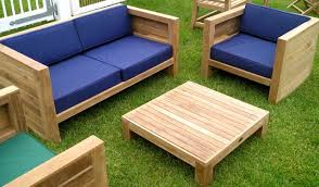 What you should have to know about the wooden garden furniture