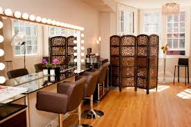 oh my goodness i would love to have a makeup studio like this at interior design