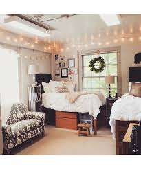 dorm room d cor for the chic collegiate dujour college girl