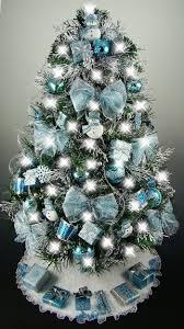 Best 25+ Blue christmas tree decorations ideas on Pinterest | Blue ...