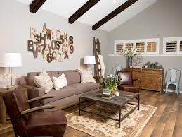 rustic living room wall decor. Wall Art Ideas From Chip And Joanna Gaines | HGTV\u0027s Fixer Upper With HGTV Rustic Living Room Decor