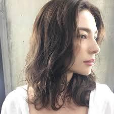 20代のセミロングさんにおすすめの髪型2019冬今年の冬は髪でモテる