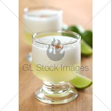 peruvian tail called pisco sour made of pis