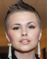 Heel Kort En Strak Kapsel Kapsels Voor Vrouwen Haircuts For Women