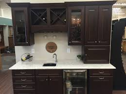 Maple Finish Kitchen Cabinets Northern Classic Cabinetry Wildwood Maple Russet Door Lg Viatera