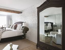 Mirror Placement In Bedroom Feng Shui Tips For A Mirror Facing The Bed