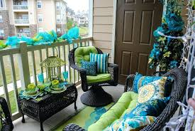 Small Balcony Decor Decorate A Small Balcony Small Patio Decorating