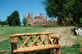 photo essay at taplow court daisaku ikeda website prev · next · zoom