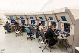 Контрольный центр контроля власти обслуживаний воздушного движения   Контрольный центр контроля власти обслуживаний воздушного движения Редакционное Изображение изображение 78337430