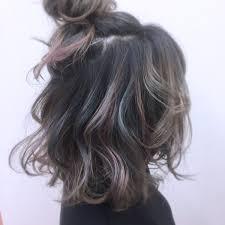 黒髪メッシュで周りと差をつけるオシャレさに長さ別に自分に似合う