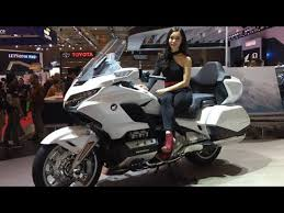 Gold wings feature shaft drive, and a flat engine. New 2021 Honda Gold Wing Youtube