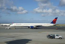 delta air lines fleet boeing 757 300 number n581nw at san francisco international airport