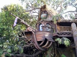 luxurious tree house. Tree Houses Have Come A Long Way. You Can Anything From Fun Little Playground Luxurious House