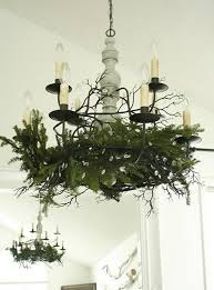 white-christmas-dining-room-ideas-with-creative-chandeliers