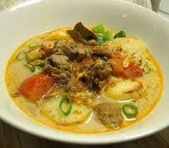 Kuah hidangan ini dapat berwarna keruh atau bening. Resep Soto Daging Sapi Santan Ketupat Daging Sapi Resep Masakan Resep Sup Ayam