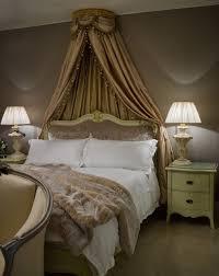 Luxurious silk bed canopy. p-93563-CF004664.jpg