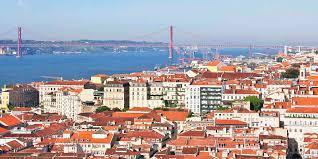 من يستطيع الحصول على الإقامة في البرتغال؟ | سيفوري أند بارتنرز