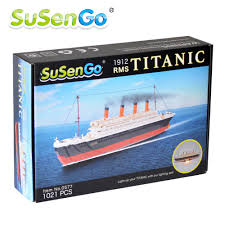 Titanic Model With Led Lights Us 40 99 50 Off Susengo 1021pcs Cruise Rms Titanic Ship Boat 3d Model Educational Building Blocks Toys With Led Light Set In Blocks From Toys
