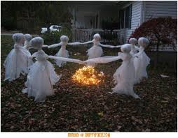 Scary Halloween Decoration Ideas For Outside (34 Yard Pics) - http://