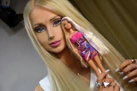 human barbie strives to bee breatharian who lives off light and air
