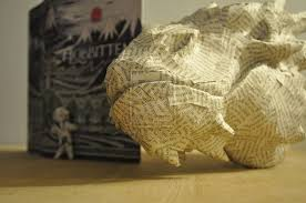 artist summons smaug the dragon from pages of the hobbit  paper sculpture smaug the dragon hobbit farto yideas 5