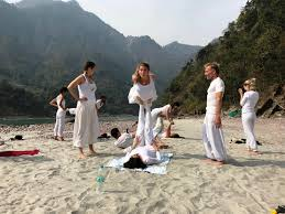 the best yoga teacher in rishikesh india