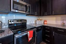 apex kitchen cabinets granite countertops beautiful the franklin at crossroads apartments
