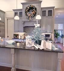 The holidays are a great excuse to really have fun with decorating your  home, said Charla Boatright, visual designer and merchandiser for Hank's  Fine ...