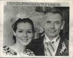 1966 Press Photo Actor Glenn Ford & Kathryn Hays Wedding Day, California –  Imágenes históricas: Amazon.es: Amazon.es