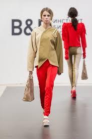 Студенты Института бизнеса и дизайна презентовали свои выпускные  Бочищева Ирина продемонстрировала коллекцию wrapandpack в основе которой лежит интерпретация одежды как своеобразной упаковки для женщин