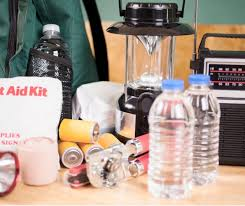 Building the Proper <b>Emergency Kit</b> in 2020 | SafeWise.com