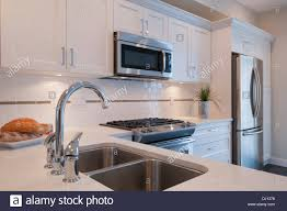 Modern Microwave sink stove and builtin microwave oven in modern kitchen surrey 5374 by guidejewelry.us