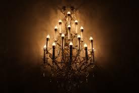 halogen incandescent light bulbs
