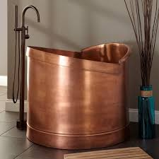 interesting vintage bathtub
