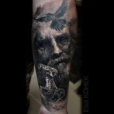 Dark Realistic Mjolnir Tattoo At Silverbackink 1 Tetování