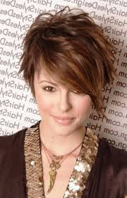 short hairstyles for round faces 29