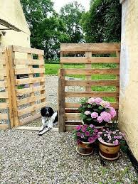 Small Picture Exellent Garden Design For Dogs Ideas Gambar Landscape Rumah